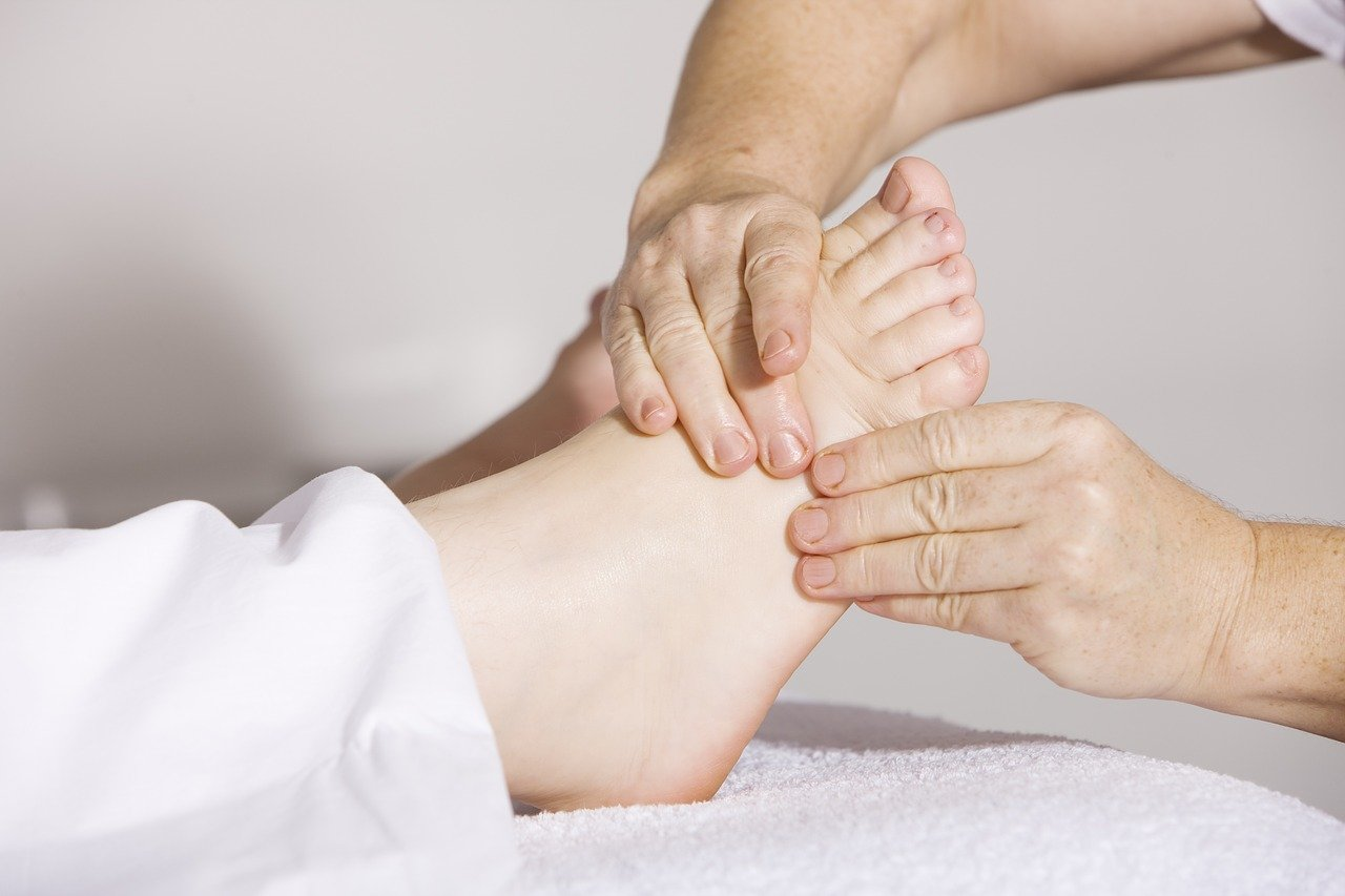 physiotherapy-54e1d64048_1280